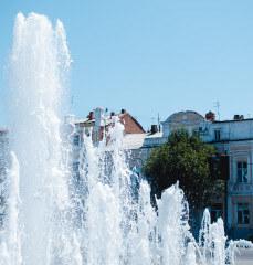 Светомузыкальный фонтан «Петровский» на Набережной реки Волга