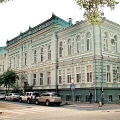 «Белый город» — экскурсия знакомит с историей и архитектурой примыкающей к Кремлю части города.