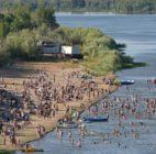 Власти открыли официальные зоны купания для астраханцев
